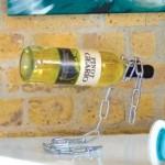 Uwięziona butelka - stojak do wina w praktyce